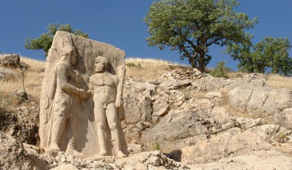 Nemrut Statues, Check Out Nemrut Statues : cnTRAVEL