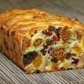 Cake with Dried Fruits