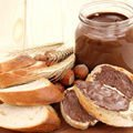 Homemade Chocolate Spread with Hazelnuts