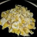 Tortellini With Cream Sauce and Cheese