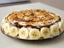 Tasty Biscuit Cake with Bananas