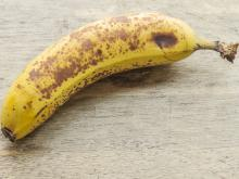 Eat Only Overripe Bananas with Dark Spots on the Peel!