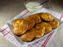 Quick Feta Cheese Buns without Kneading