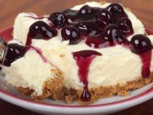 Vanilla Cheesecake with Blueberries