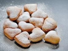 powdered sugar bites