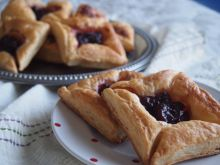 Easy Puff Pastry Sweets with Jam