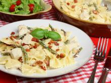 Farfalle with Chicken Meat and Yellow Sauce