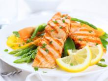 Salmon with Green Beans and Orange Sauce