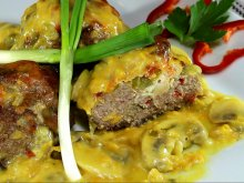 Mince Nests with Filling and Mushroom Sauce