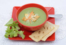 Green Cream Soup with Broccoli