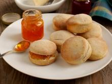 Biscuits with Walnuts and Apricot Kernels