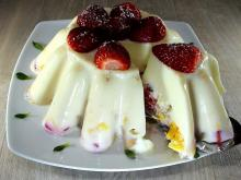 Jellied Milk with Fruit