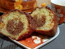 Cake with Candied Orange Peels and Raisins