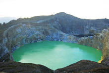 Келимуту (Kelimutu Lake)