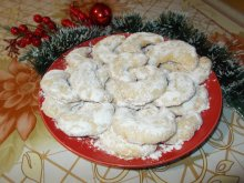 Snowy Christmas Crescents