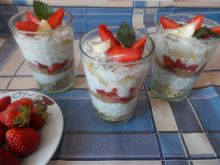 Healthy Dessert with Strawberries and Banana