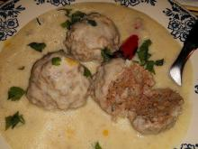 Extravagant Meatballs in White Sauce