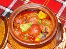 Amazing Meatballs in Clay Pots