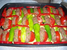 Meatballs with Vegetables in the Oven
