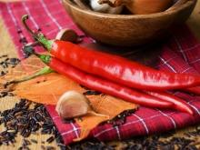 Is it dangerous to eat excesses of spicy food?