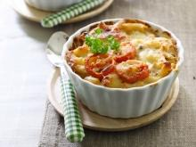 Baked Macaroni With Cream And Tomato