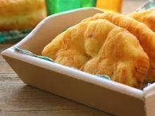 Fried Batter Cakes with Milk
