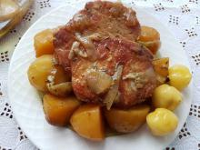 Steaks with Caramelized Onions and Potatoes