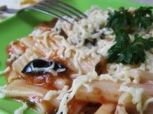 Pasta with Sauce and Olives