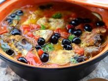 Onion Chicken Stew with Olives