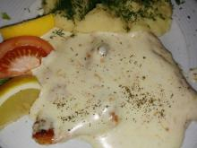 Chicken Fillet with Garlic Yoghurt Sauce