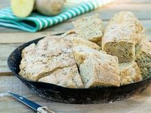 Potato Bread with Cinnamon and Walnuts