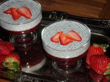 Healthy Pudding with Strawberries and Chia