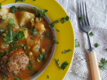 Meatball Stew with Potatoes and Peas