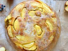 Tasty Cake with Quinces