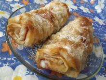 Aromatic Rolls with Pears and Turkish Delight