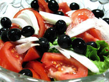 Salad with Tomatoes and Olives
