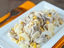 Salad with Chicken, Corn and Pineapple