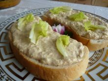 Sandwich with Mayonnaise and Tuna