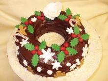 New Year's Wreath Cake