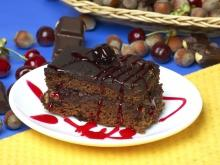 Easy Chocolate Cake with Walnuts