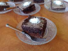 Tasty and Easy Brownie Cake