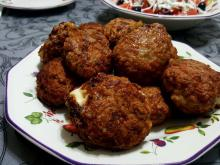 Juicy Meatballs with Filling