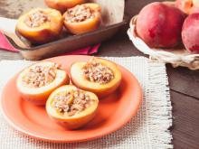 Stuffed Peaches with Mascarpone Cream