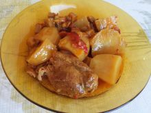 Easy Pork Shank with Veggies in Clay Pot