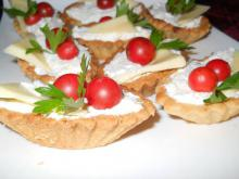 Tartlets with Cream Cheese and Cream