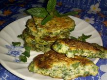Aromatic Fritters with Spinach and Spearmint