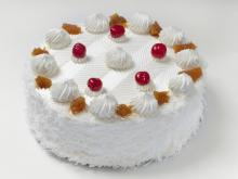 White Cake with Mascarpone Cream