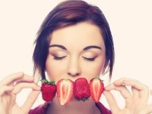 Pros and Cons of Consuming Raw Fruits