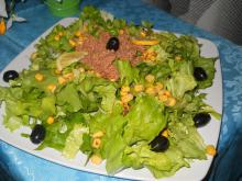 Green Salad with Tuna and Olives