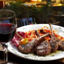Lamb Cutlets with Rosemary and Wine